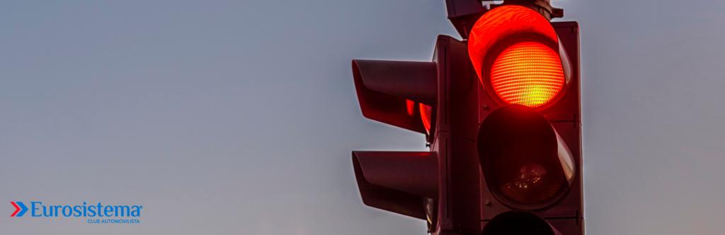 Las multas de tráfico por saltarse un semaforo